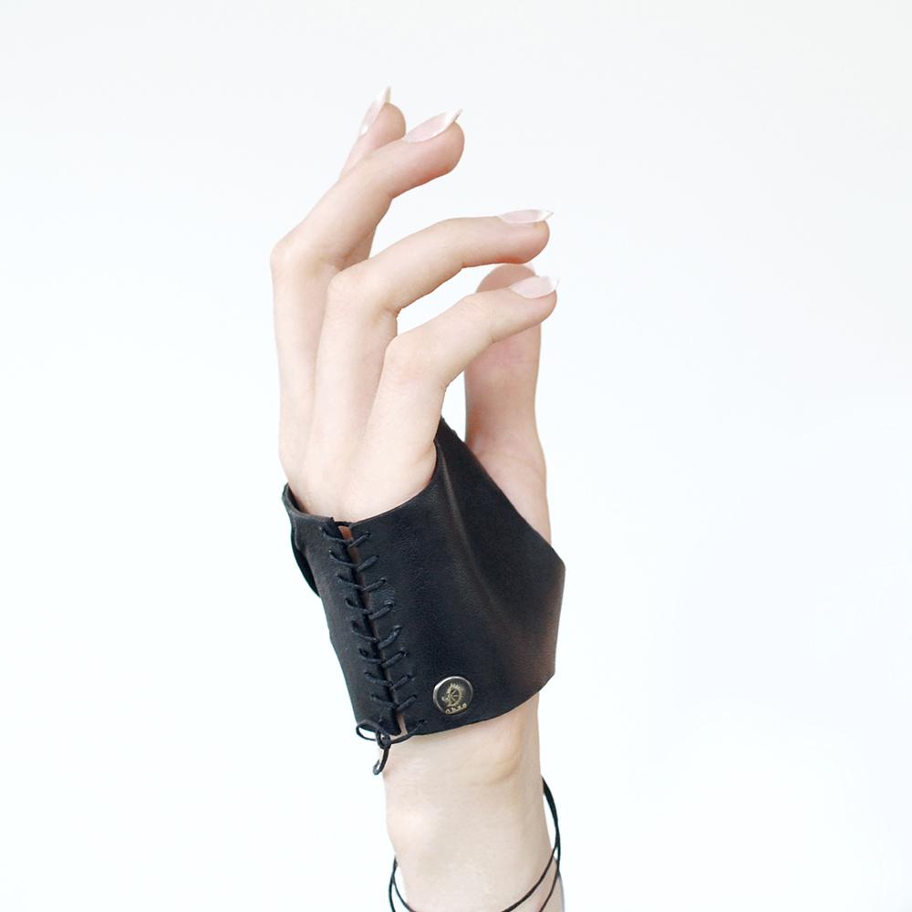 NOX-mittens-porte1