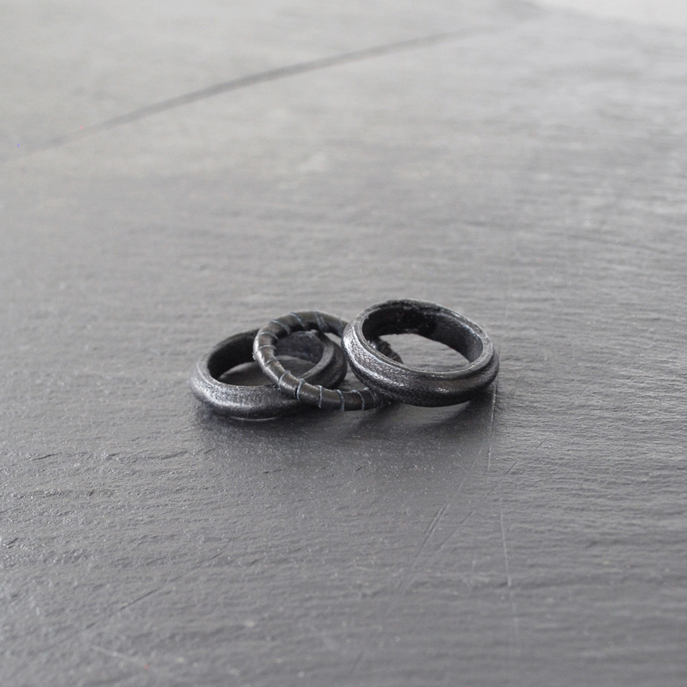 PLAIN-ring-black-3
